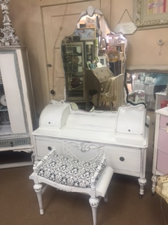 Depression Vanity ..OMG AMAZING ..  WITH the Bench