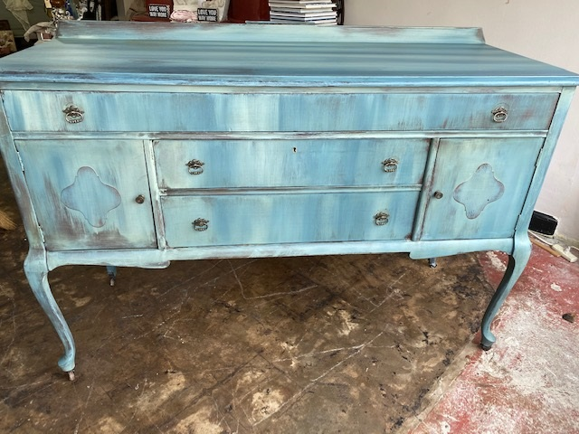 SIDEBOARDS/SERVERS/TV CONSOLES