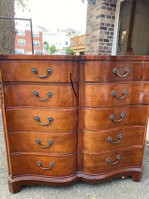 10 Drawer Curved Dresser