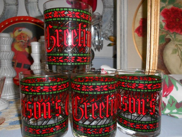 Set of 4 SEASONS GREETINGS Glasses