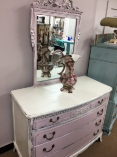 4 Drawer Dresser with Amazing Mirror in Pink and Creamy White