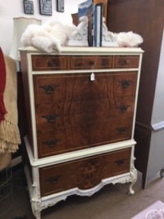 "French "" Urn"" Chest of Drawers"