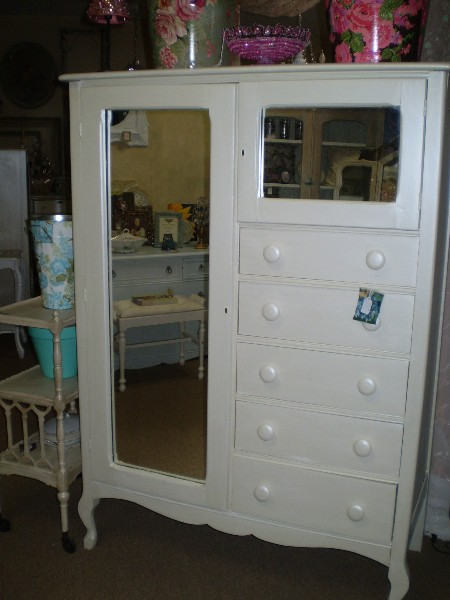 Armoire with 2 Mirrors / After