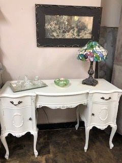 Curvey Ornate PRETTY Desk
