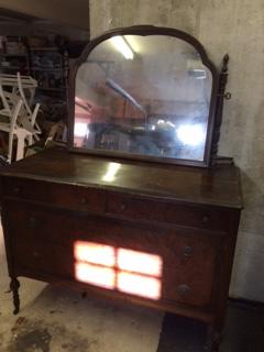 Vintage 4 Drawer Dresser with Swivel Mirror