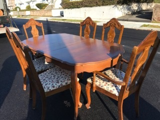 French Provincial Dining Room Table , 6 Chairs