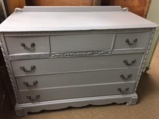 4 Drawer Dresser.. Clean Lines... Carved Sides