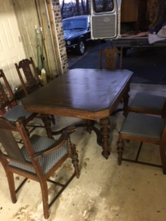 Jacobean Dining Room Table and 6 Chairs.