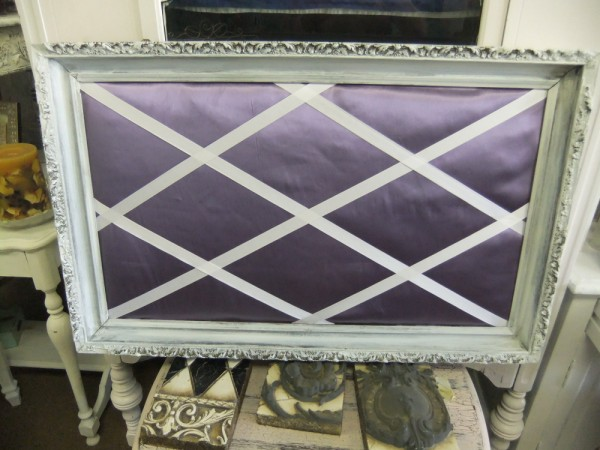 Lavandar Satin in Distressed Frame
