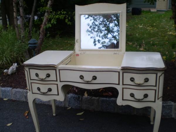 Vanity / Desk -- Before