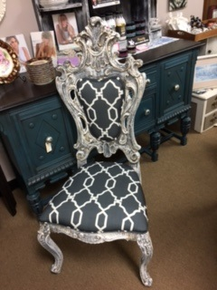 Fabulous Ornate Chair in Creamy White and Grey