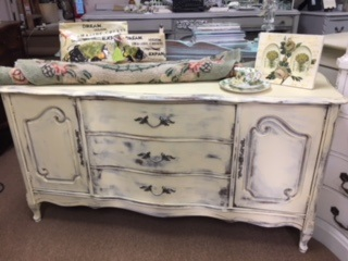 Small French Provincial Sideboard... Buffet...... TV STAND ...Painted Creamy Yellow