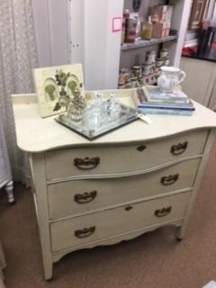 Small Vintage 3 Drawer Dresser