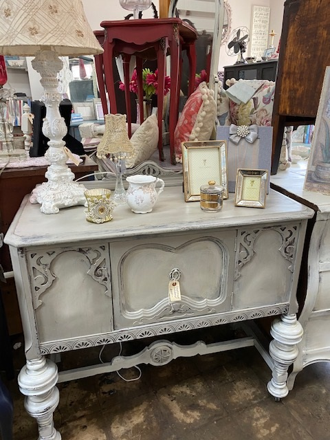 Small Depression Sideboard in Taupe and Creme Ombre
