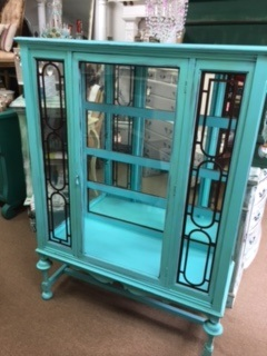 China/Display Cabinet with Mirrored Back and Glass Sides in TURQUOISE